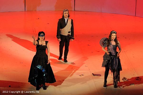 Stanca Manoleanu - Donna Anna, Ionut Hotea - Don Ottavio si Florina Ilie - Donna Elvira